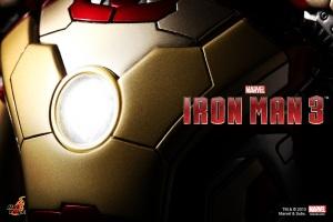 Hot-Toys-Iron-Man-3-Teaser